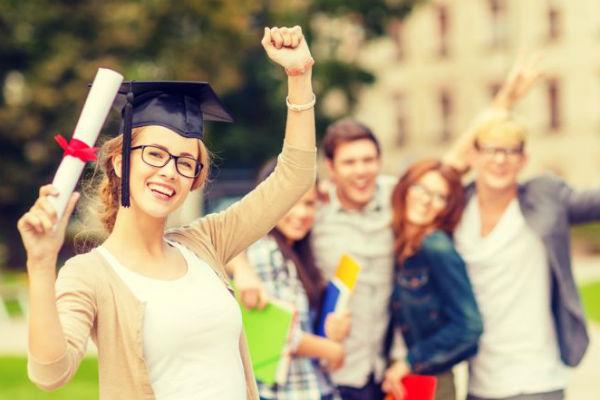 Persyaratan untuk kuliah di luar negeri