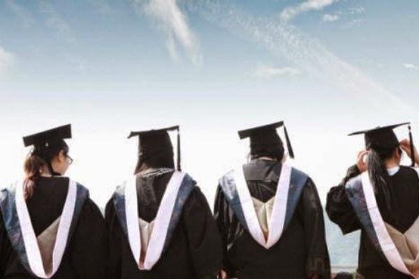 Kuliah di luar negeri dengan beasiswa